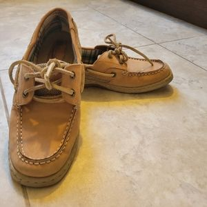 White mountain leather boat shoes